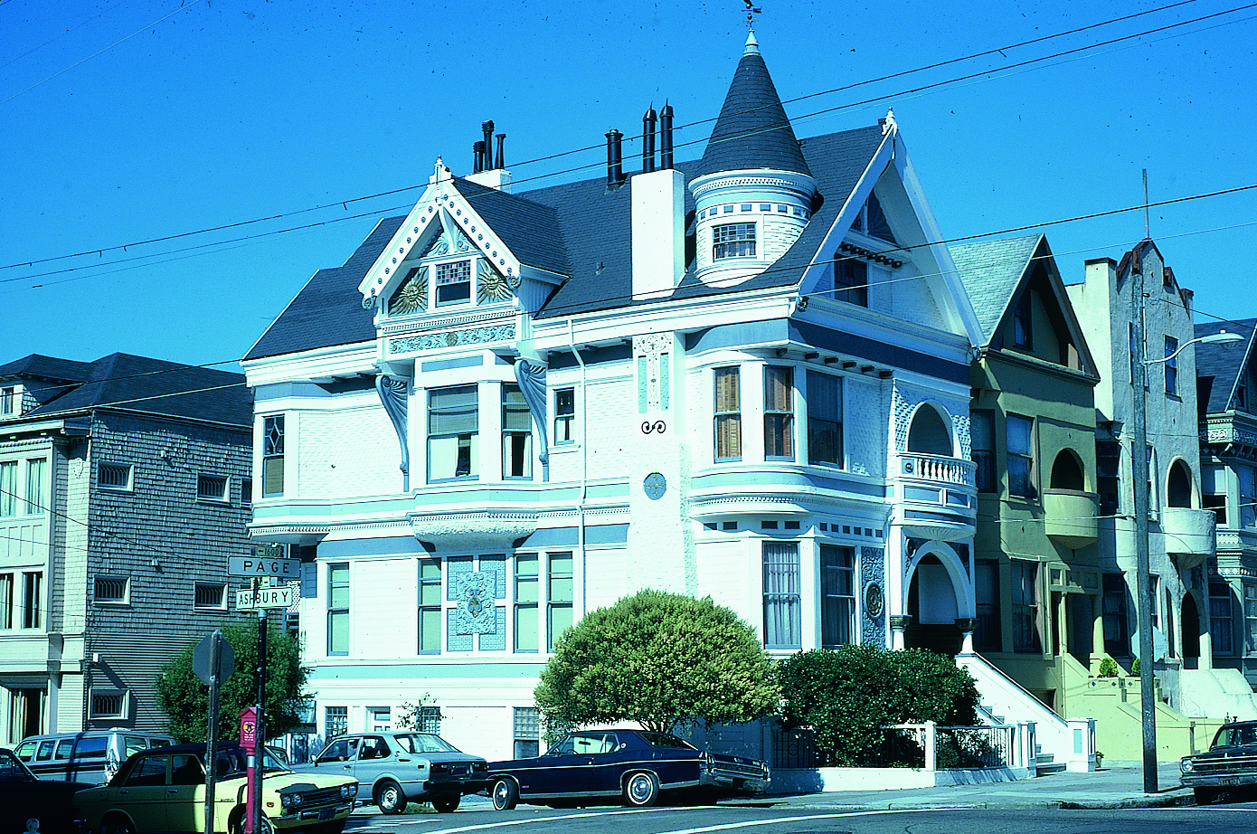 Queen anne style house on page street and ashbury street for Stile queen anne